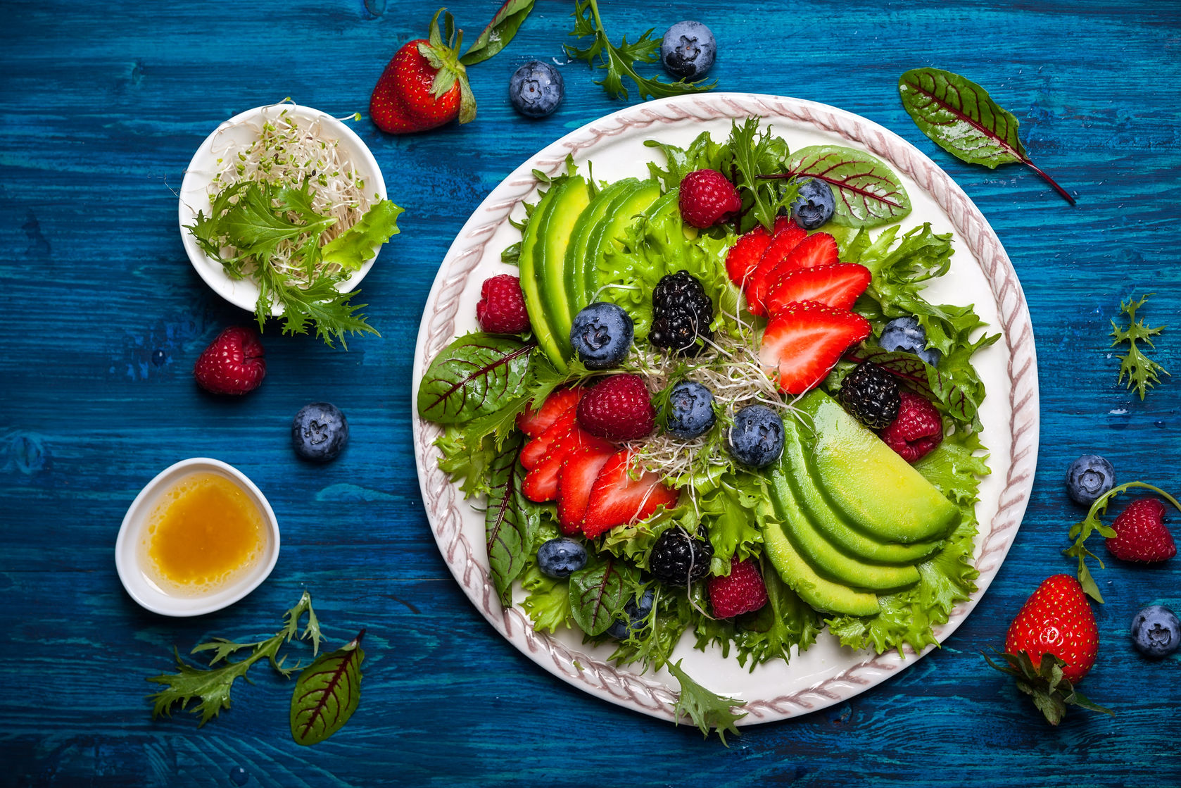 Avocado, mixed salad leaves, with berries and honey mustard dressing http://www.info-on-high-blood-pressure.com/Eat-Well.html