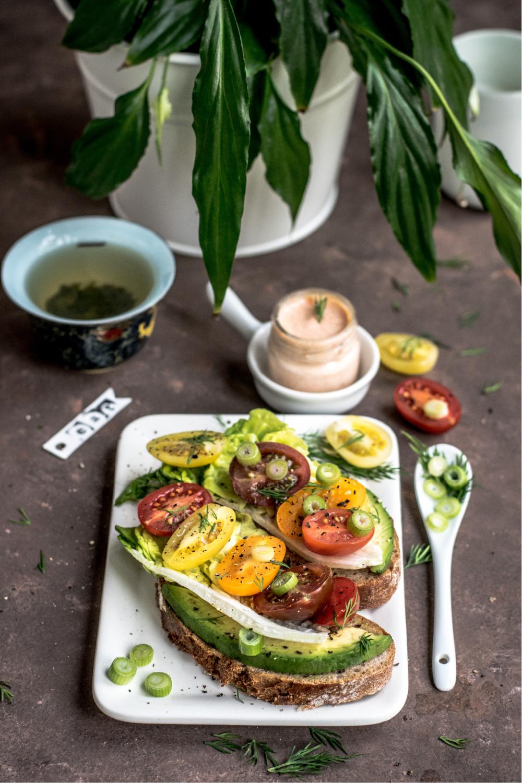 Vegetable sandwich. https://www.info-on-high-blood-pressure.com/eating-healthy.html